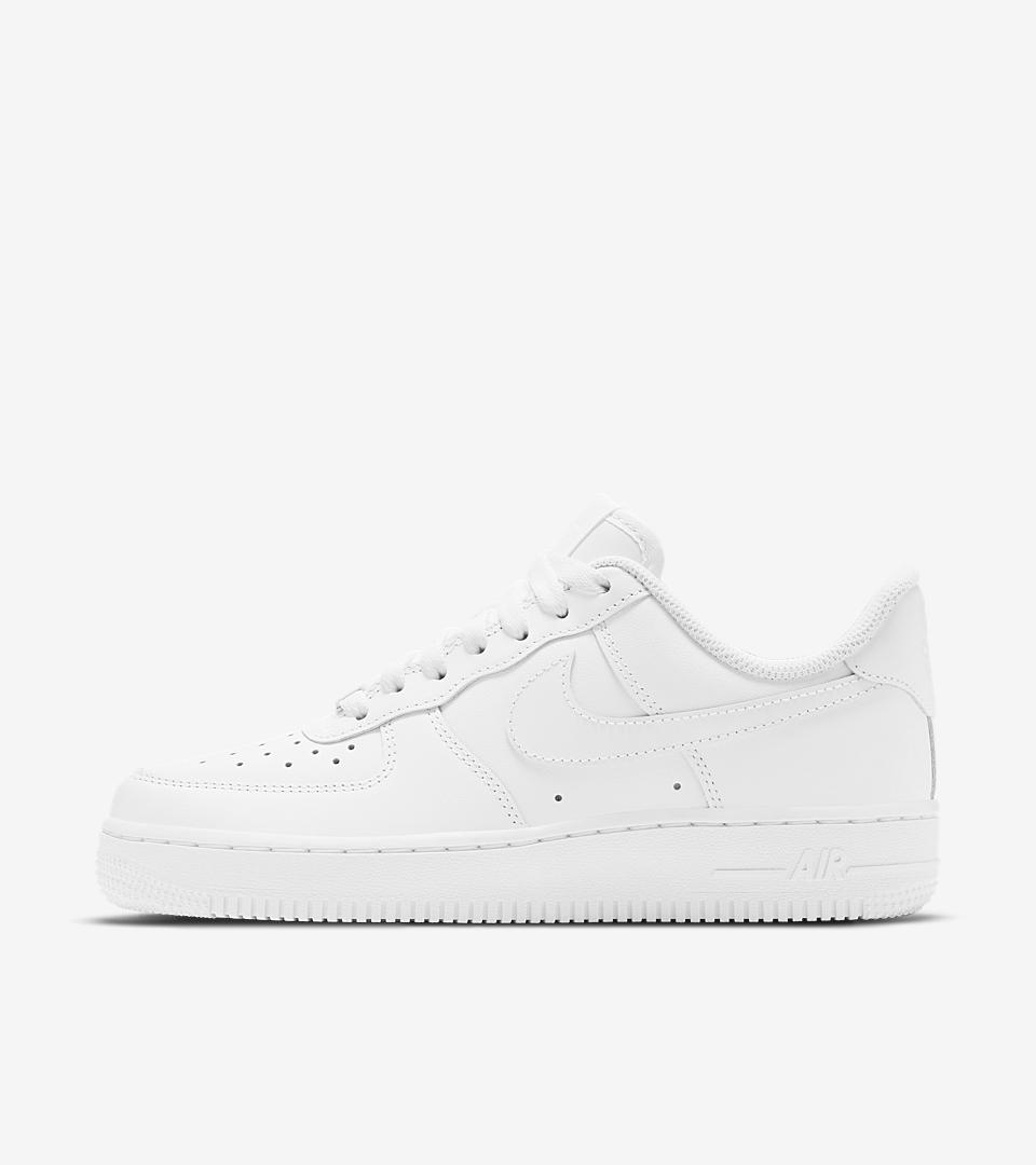 Women's Nike Wmns Air Force 1 Low All White Sneakers : D99l2333
