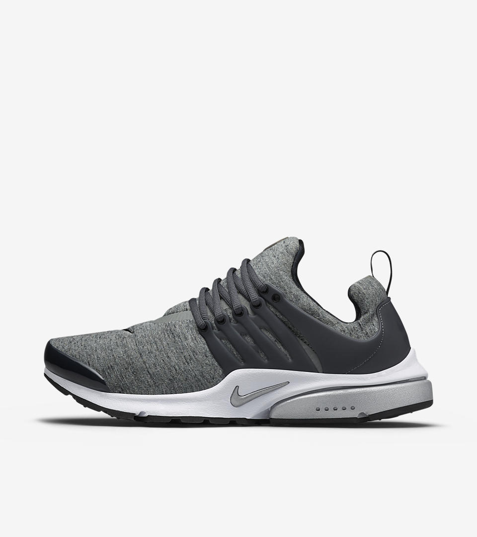 Cleaning White Nike Presto Fly Shoe