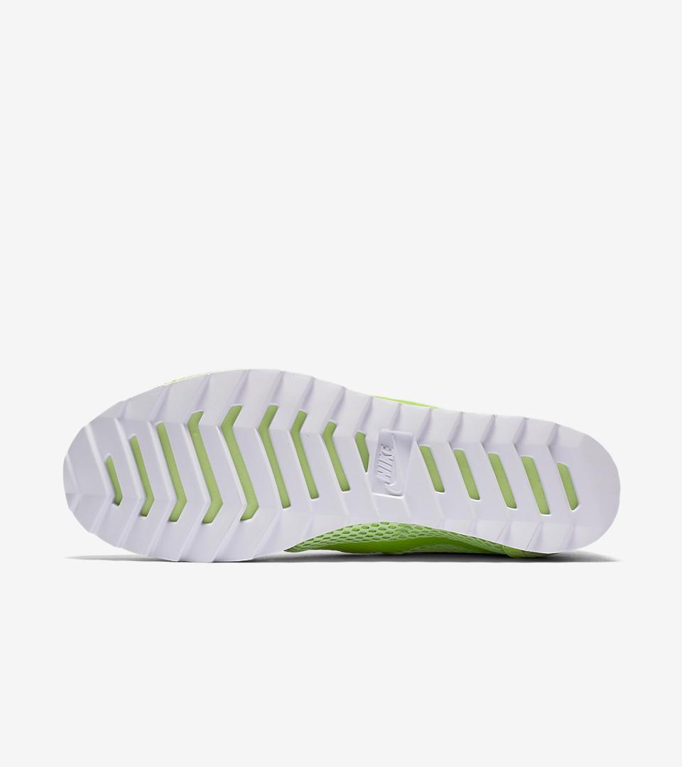 nike cortez white green