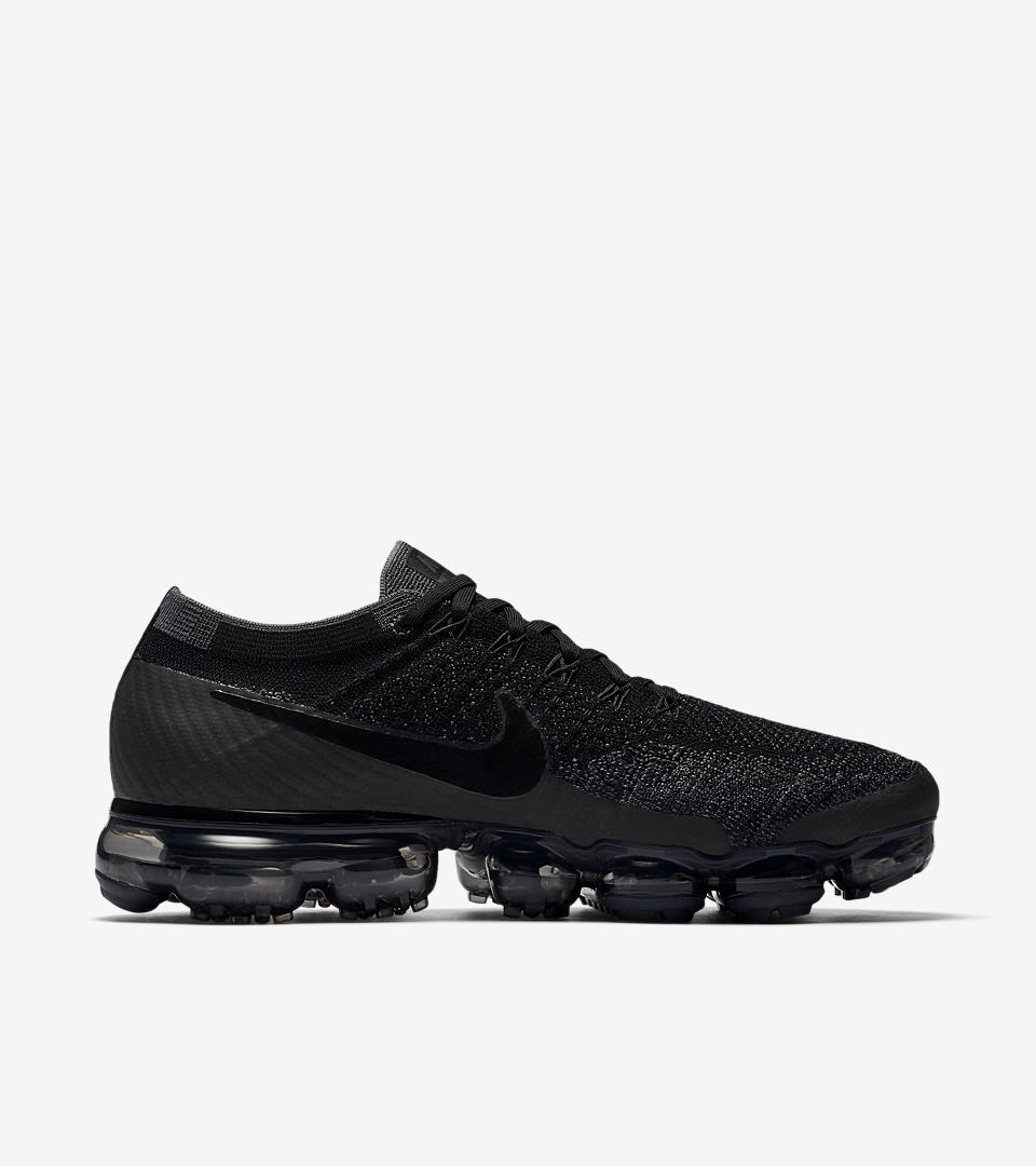 Women's Nike Air VaporMax 'College Navy & Tea Berry'.