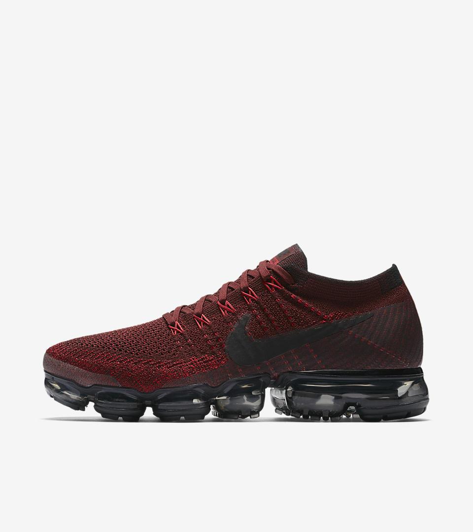 Red Nike Vapormax