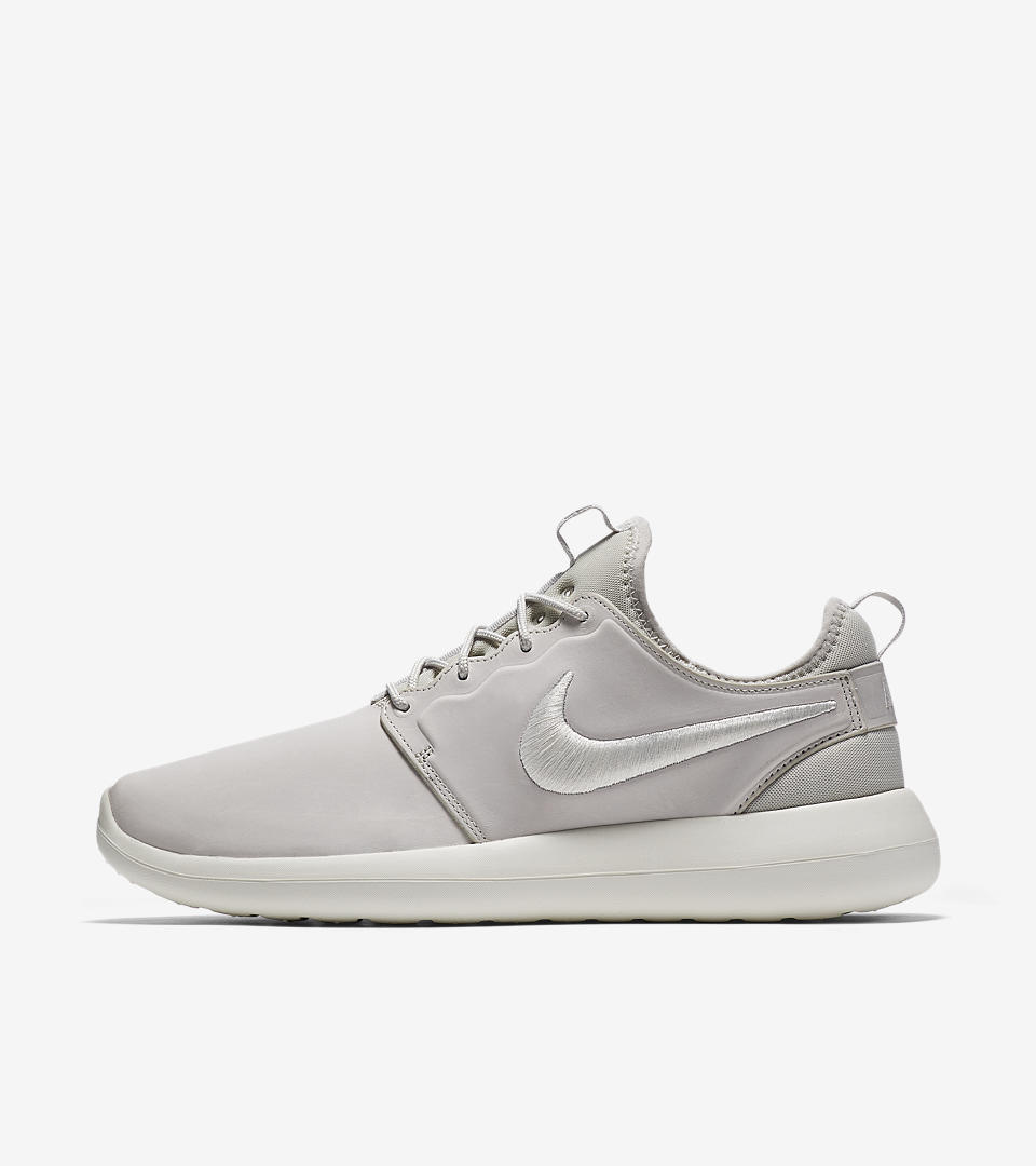 1701 Nike Roshe Two SE Women's Sneakers Running Shoes 881188